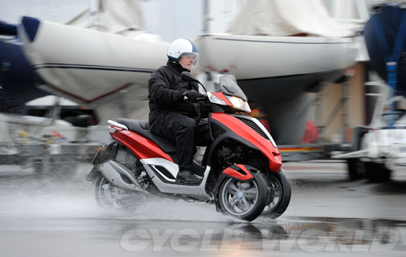1300480112021_piaggio_mp3_yourban_300_ie